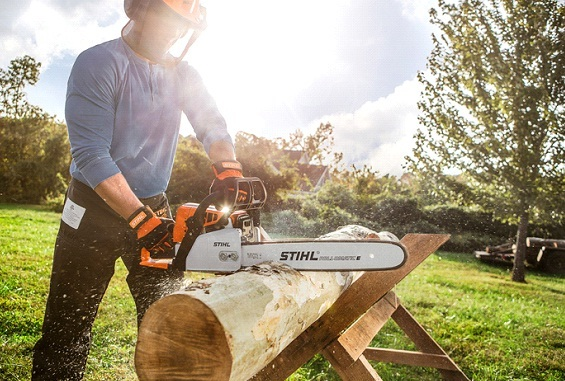 How To Operate The Electric Chainsaw Safely