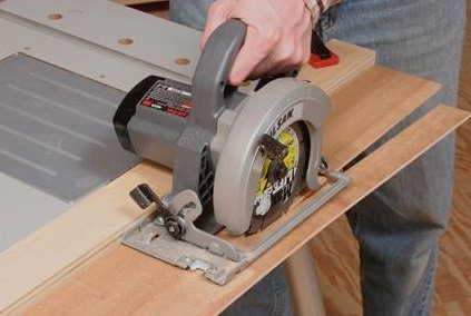 Making straight cuts with a circular saw will be no longer difficult if you follow my tutorial!